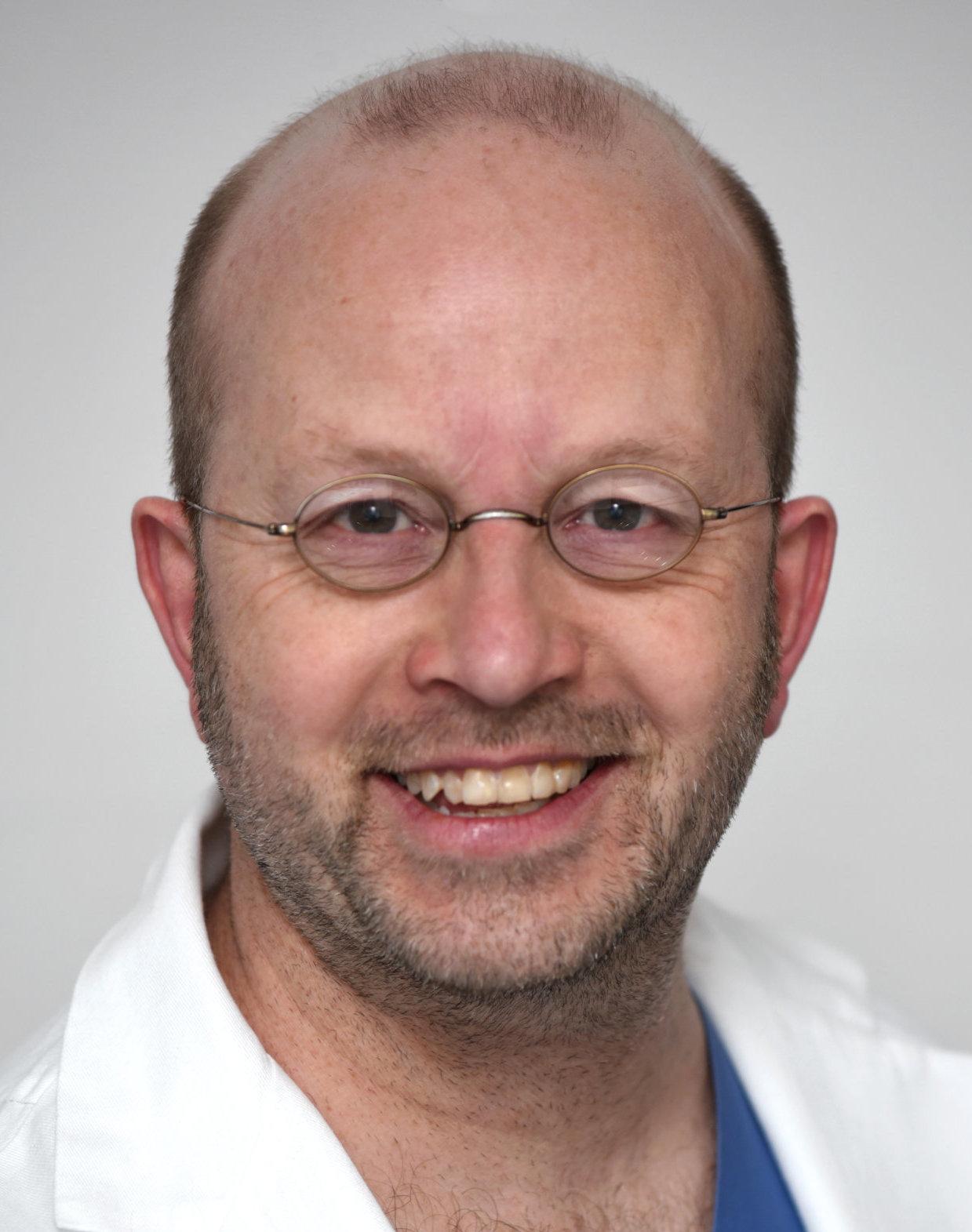 Chefarzt Dr. Bart Van de Pas